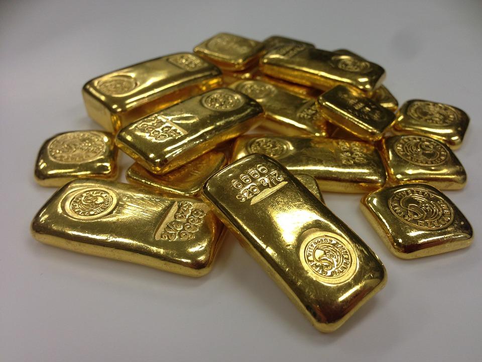Medewerker aangeklaagd om smokkelen goud