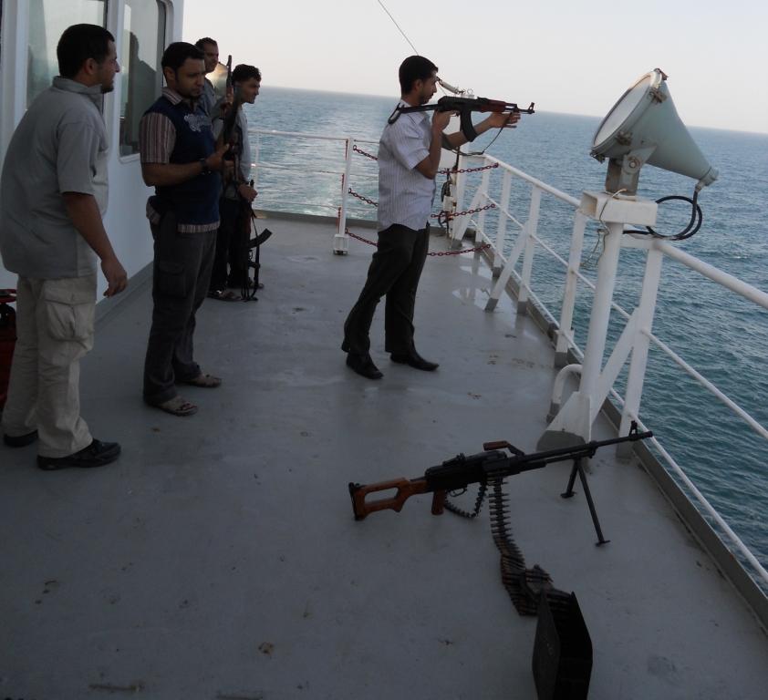 Wetsvoorstel pleit voor gewapende beveiligers op schepen